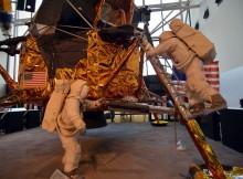 Tocar la luna y otras 6 cosas maravillosas que hacer en el Museo del Espacio de Washington
