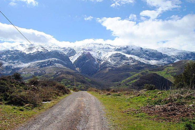 Asturias,paisaje natural de montañas