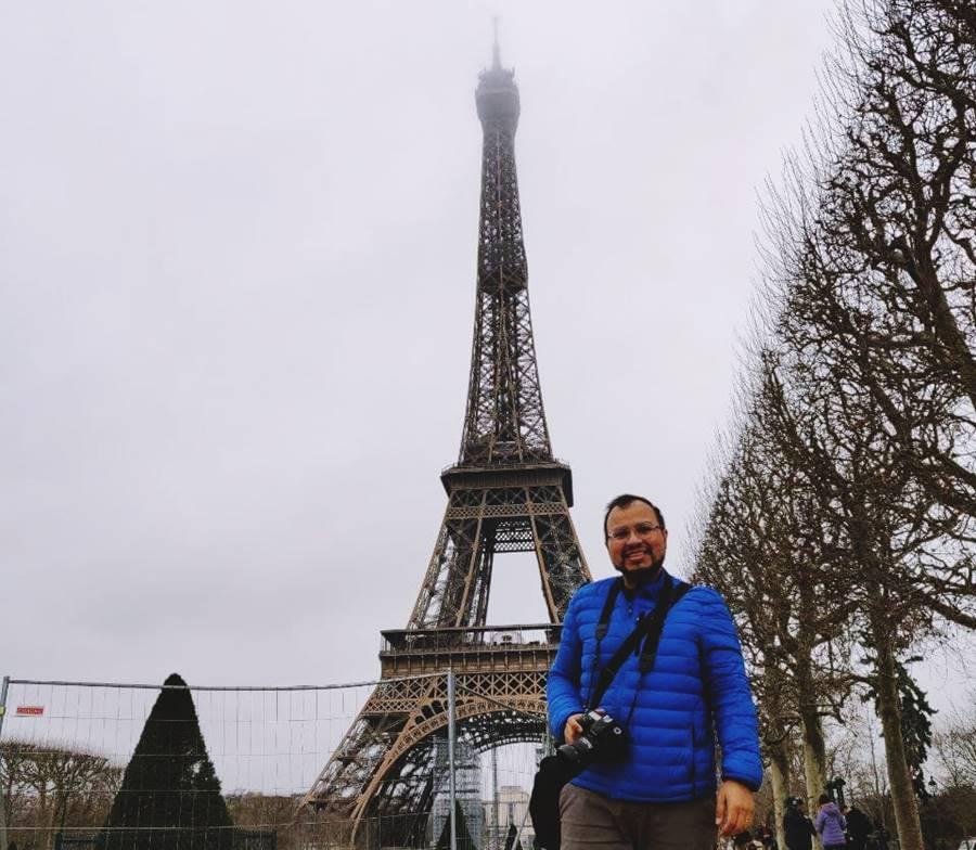 ¿Cómo subir a la torre Eiffel sin hacer colas?