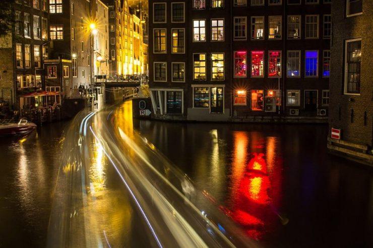 Visitar en barrio rojo de Ámsterdam