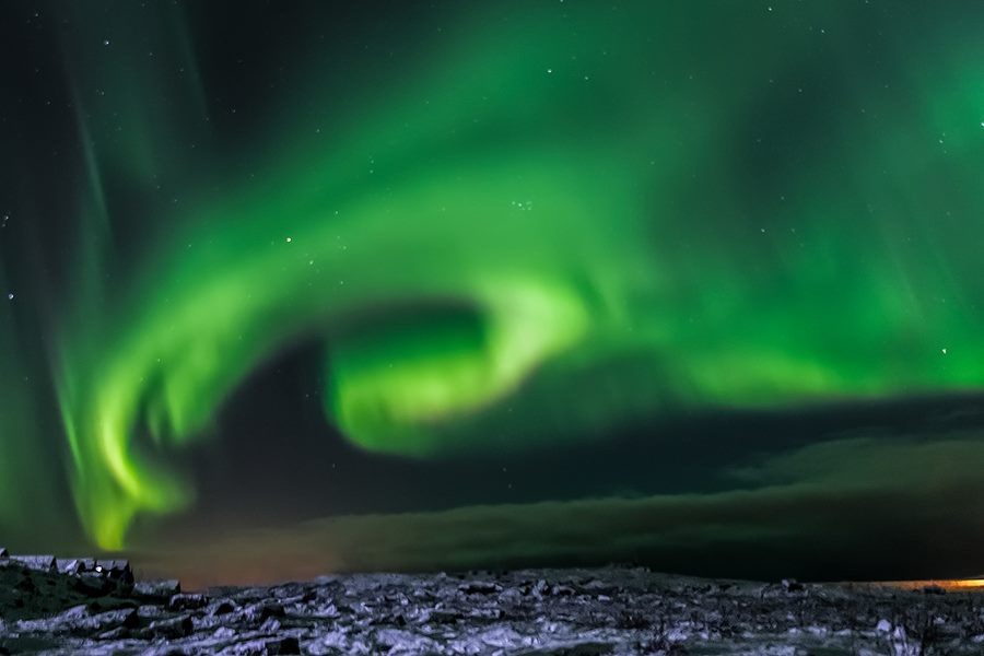 Con este vídeo vas a querer ver auroras boreales en Islandia