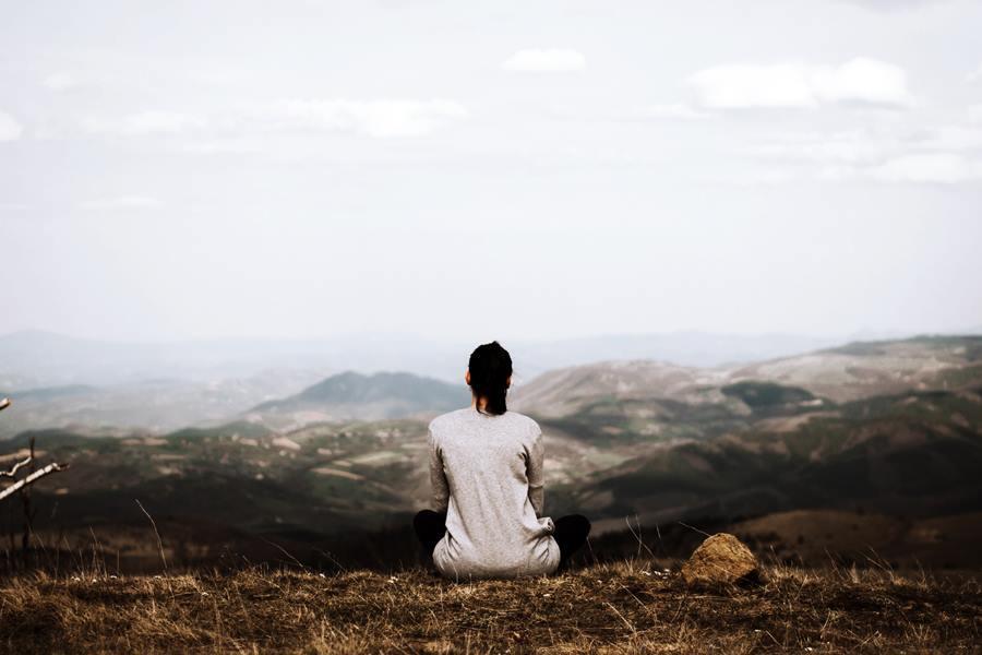 5 retiros de yoga y meditación en España que te harán conectar contigo