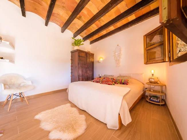 Habitación del retiro de meditación en Ibiza.
