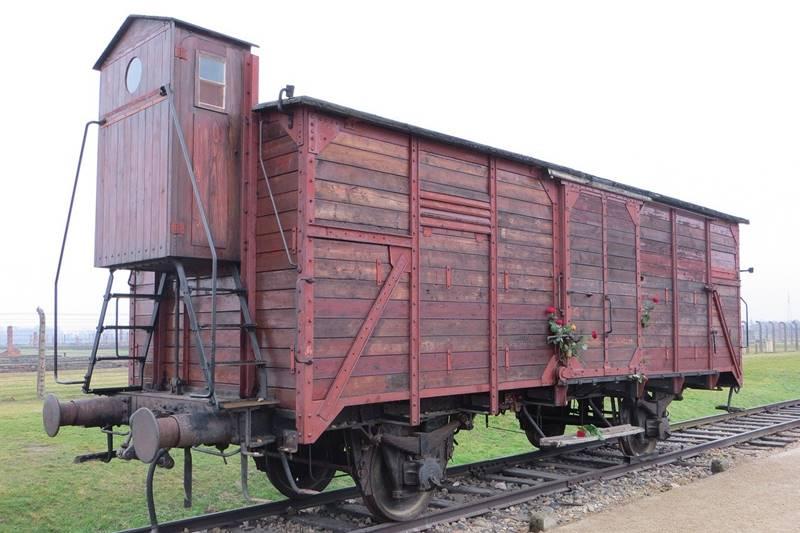 Vagón de tren en el campo de concentración